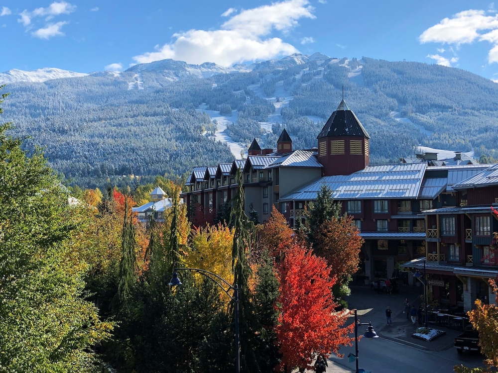 Mountain View, Pinnacle Hotel Whistler Village