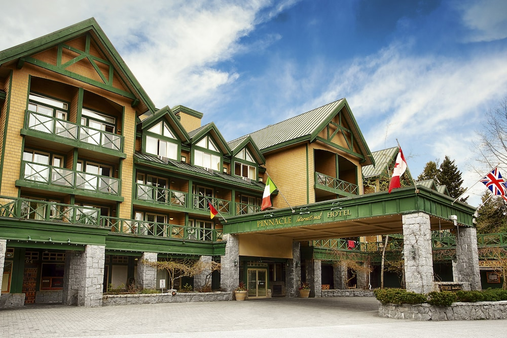 Front of Property, Pinnacle Hotel Whistler Village