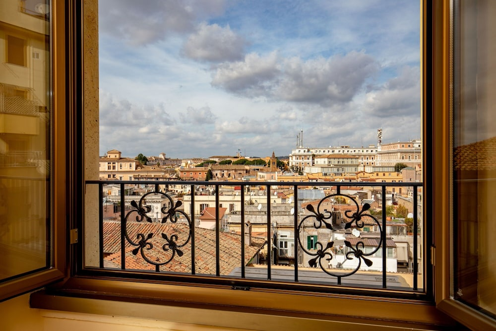 Balcony View, Hotel Colosseum