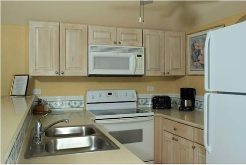 Private Kitchen, Paradise Island Beach Club - Sun View 2 Bedroom Apts