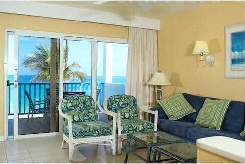 Living Room, Paradise Island Beach Club - Sun View 2 Bedroom Apts