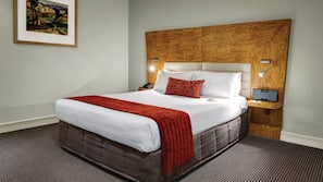 Premium bedding, in-room safe, laptop workspace, iron/ironing board
