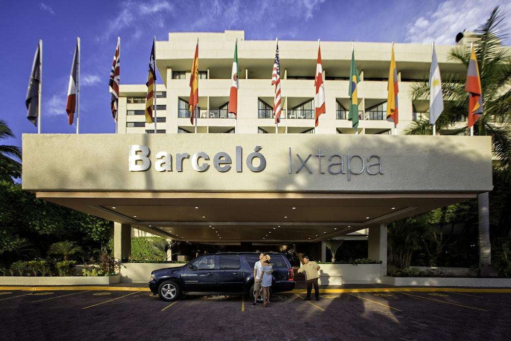 Front of Property, Barceló Ixtapa All Inclusive