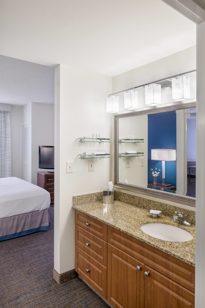 Bathroom, Residence Inn by Marriott Portland Downtown/RiverPlace