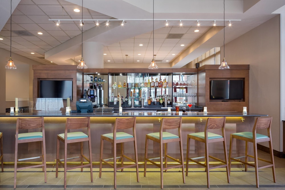 Restaurant, Residence Inn by Marriott Portland Downtown/RiverPlace