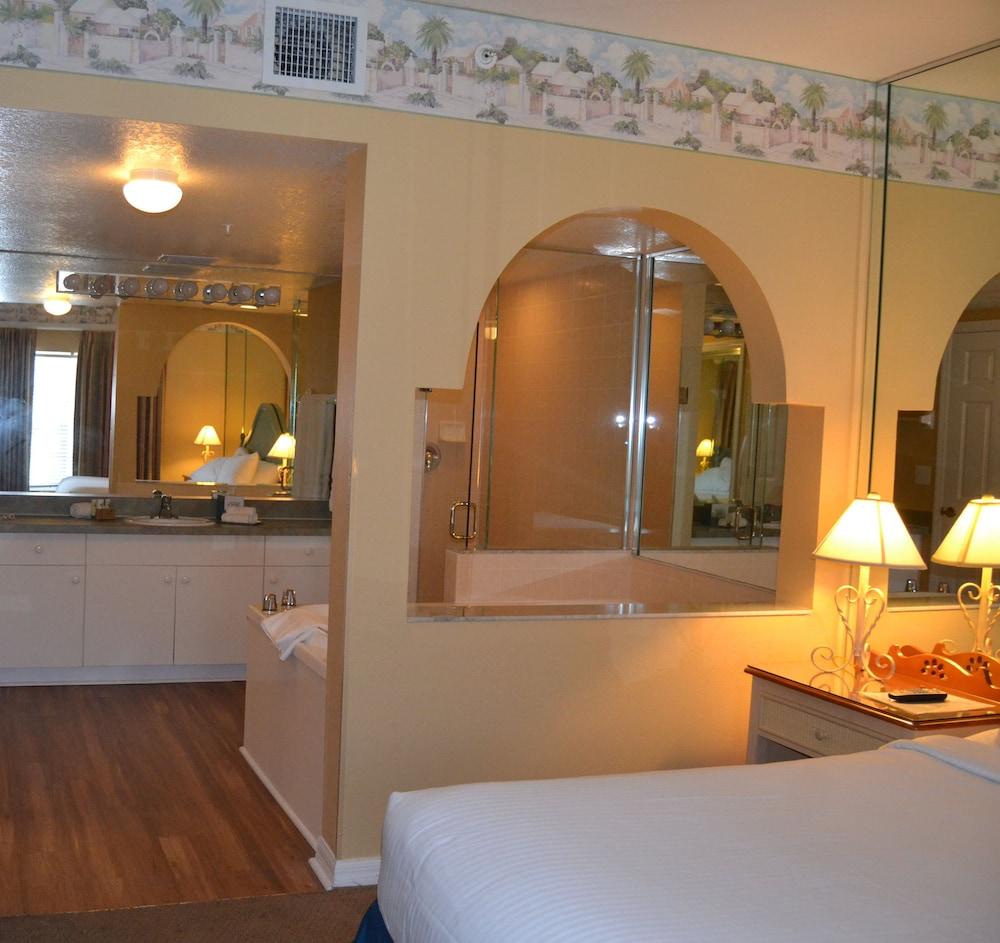 Liki Tiki Village By Diamond Resorts In Orlando