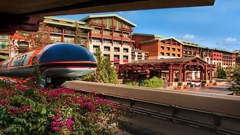 カリフォルニア・ディズニーリゾートに行きやすいホテルを教えてください