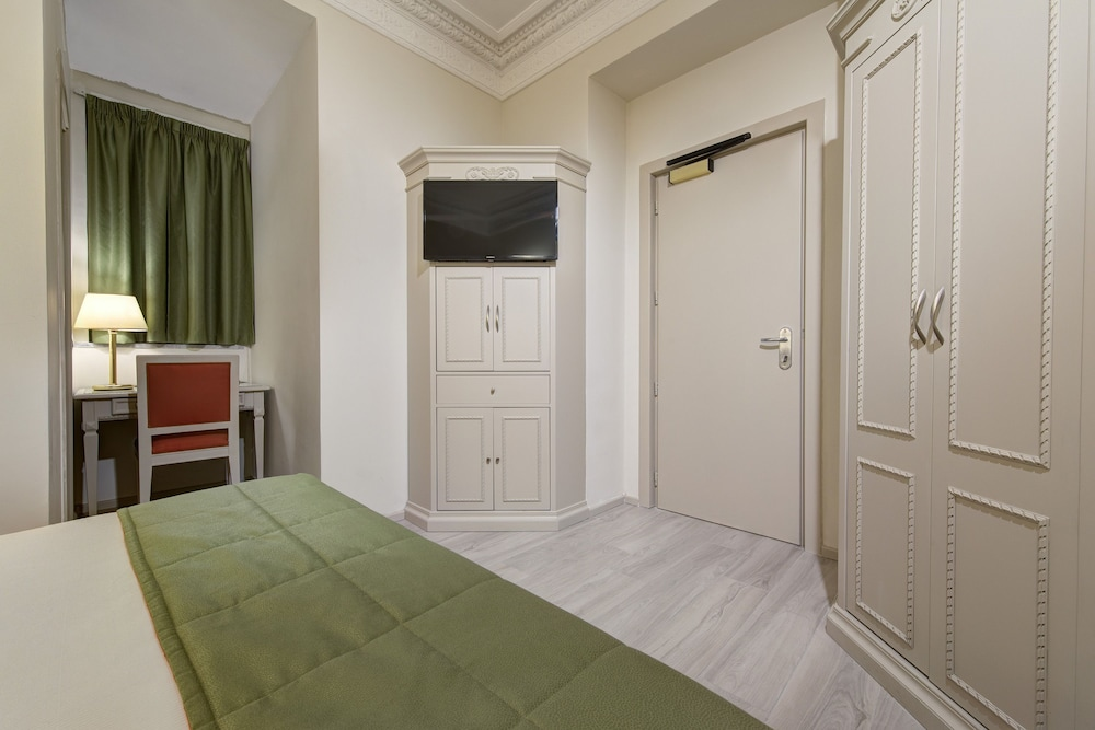 Room, The Baileys Hotel - Rome