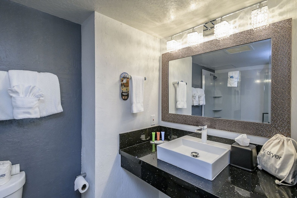 Bathroom, Lions Gate Hotel, Trademark Collection by Wyndham