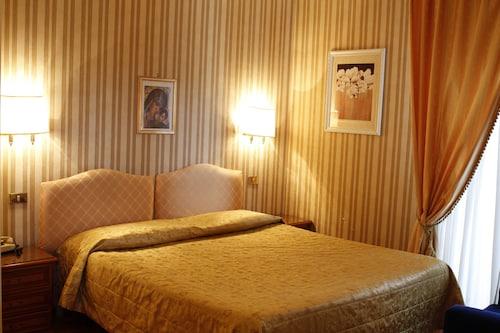 ビミナーレ ホテル