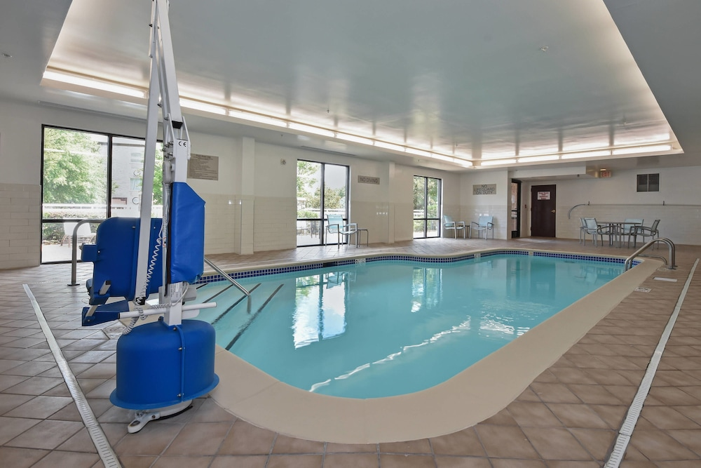 Pool, SpringHill Suites by Marriott Charlotte Concord Mills Spdwy