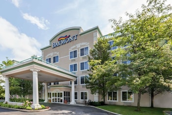 Baymont Inn Suites Grand Rapids North