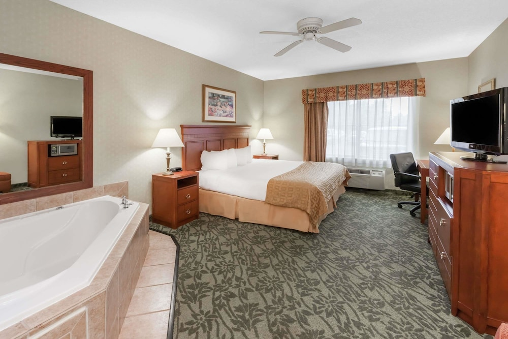 Baymont Hotel Grand Rapids Michigan