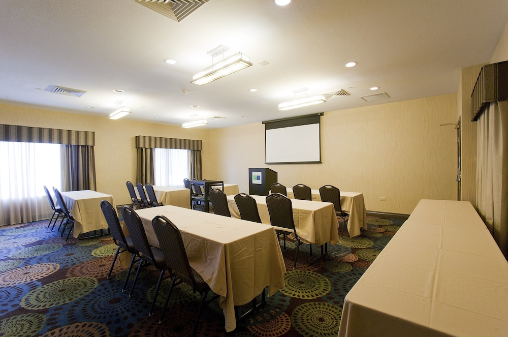 Meeting Facility, Holiday Inn Express Hotel & Suites Chicago-Deerfield/Lincoln
