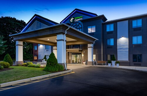 Check Expedia for Availability of Holiday Inn Express Middletown / Newport