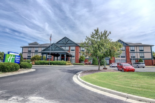 Holiday Inn Express Hotel & Suites Wallace-Hwy 41