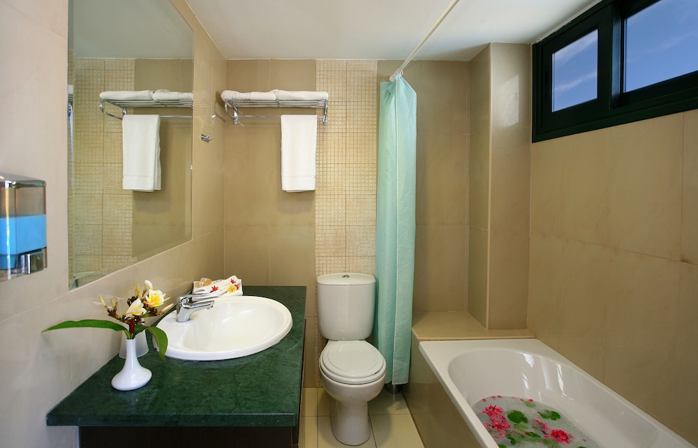 Bathroom, Gouves Water Park Holiday Resort