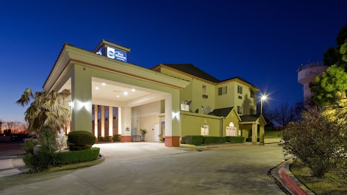 Great Place to stay Best Western Roanoke Inn & Suites near Roanoke