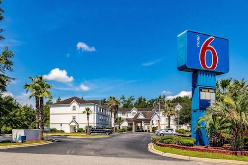 Great Place to stay Motel 6 Savannah - South near Savannah