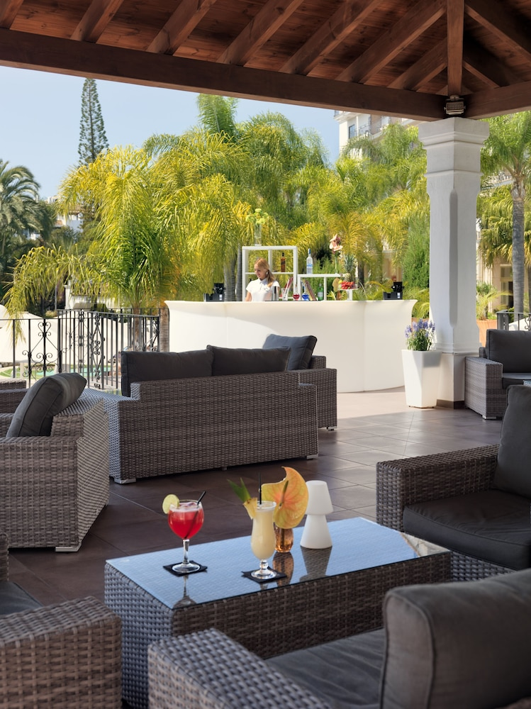 Poolside Bar, H10 Andalucia Plaza - Adults Only