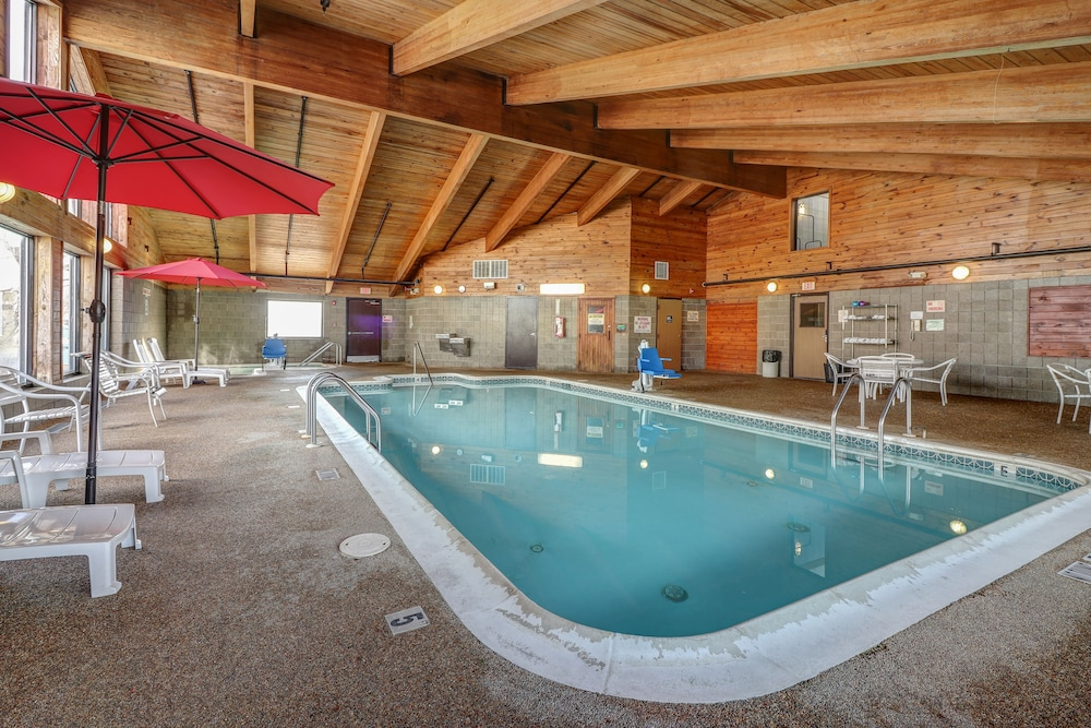 Indoor Pool, American Inn and Suites
