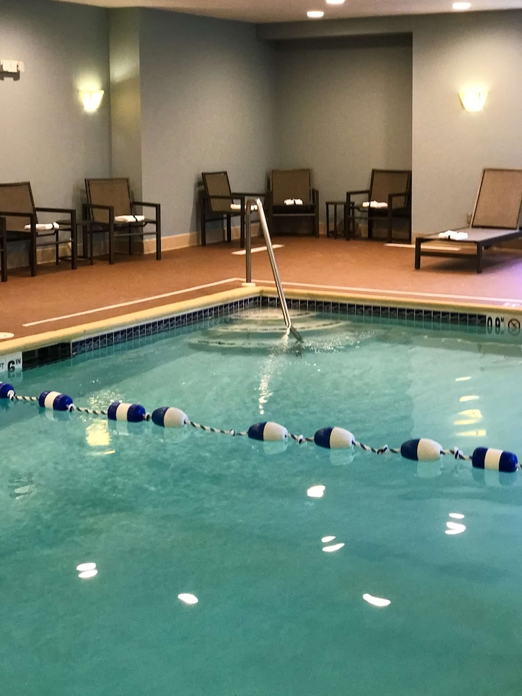Pool, Hampton Inn Waterville