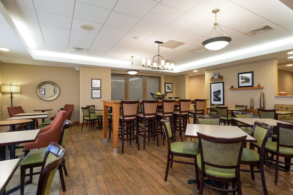 Restaurant, Hampton Inn Waterville