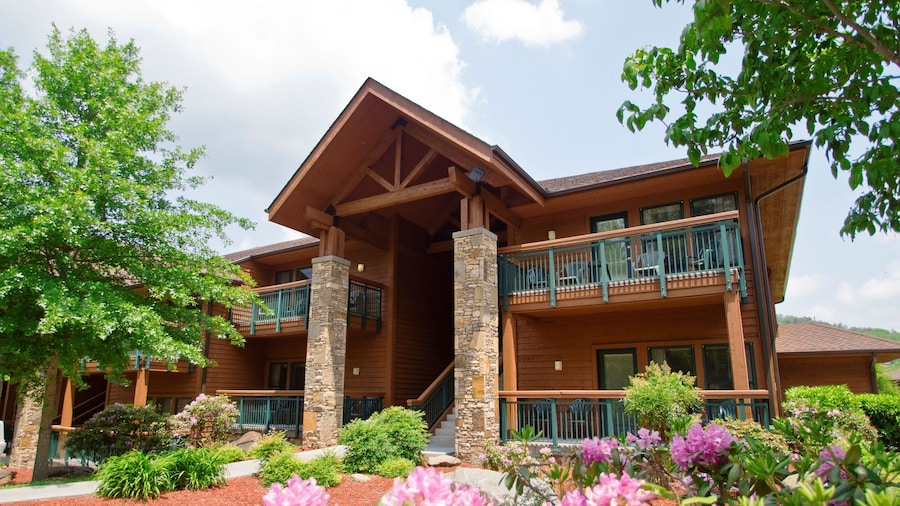 Bent Creek Golf Village Resort by Diamond Resorts