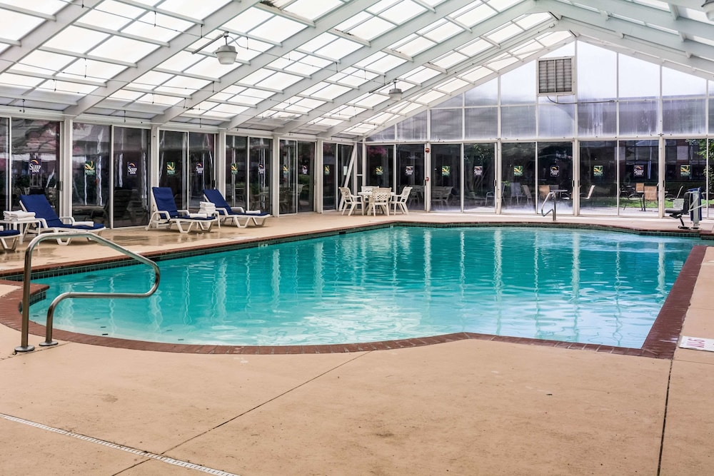 Pool, Sleep Inn Lake Wright - Norfolk Airport