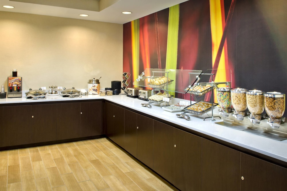 Restaurant, SpringHill Suites by Marriott Boston/Andover