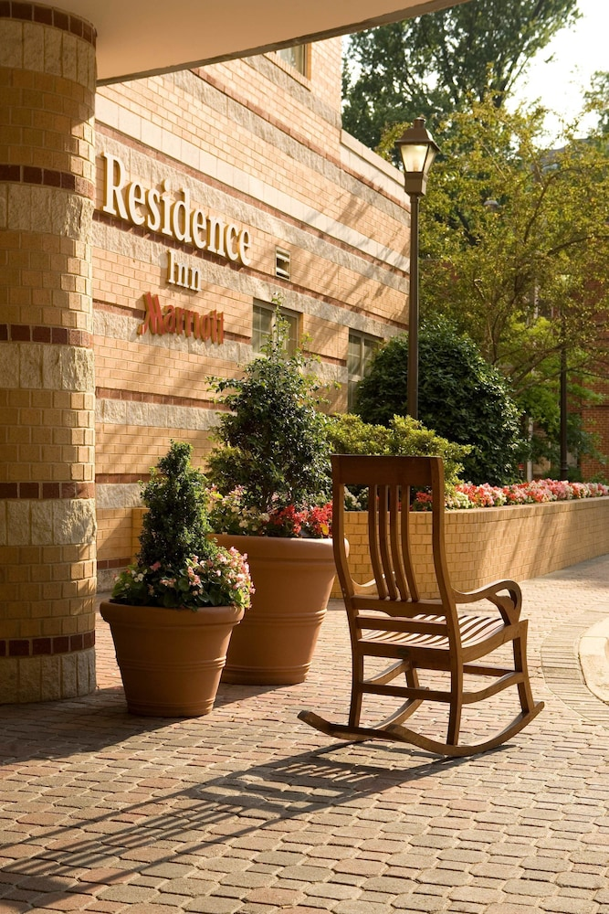 Courtyard, Residence Inn by Marriott Arlington at Rosslyn