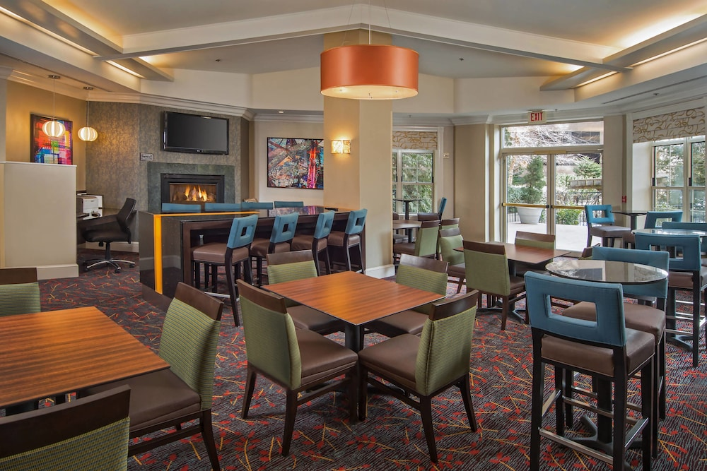 Dining, Residence Inn by Marriott Arlington at Rosslyn