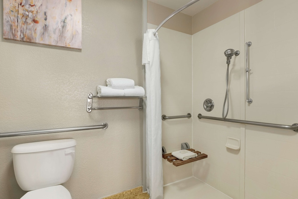 Bathroom, Homewood Suites by Hilton Dallas-DFW Airport N-Grapevine