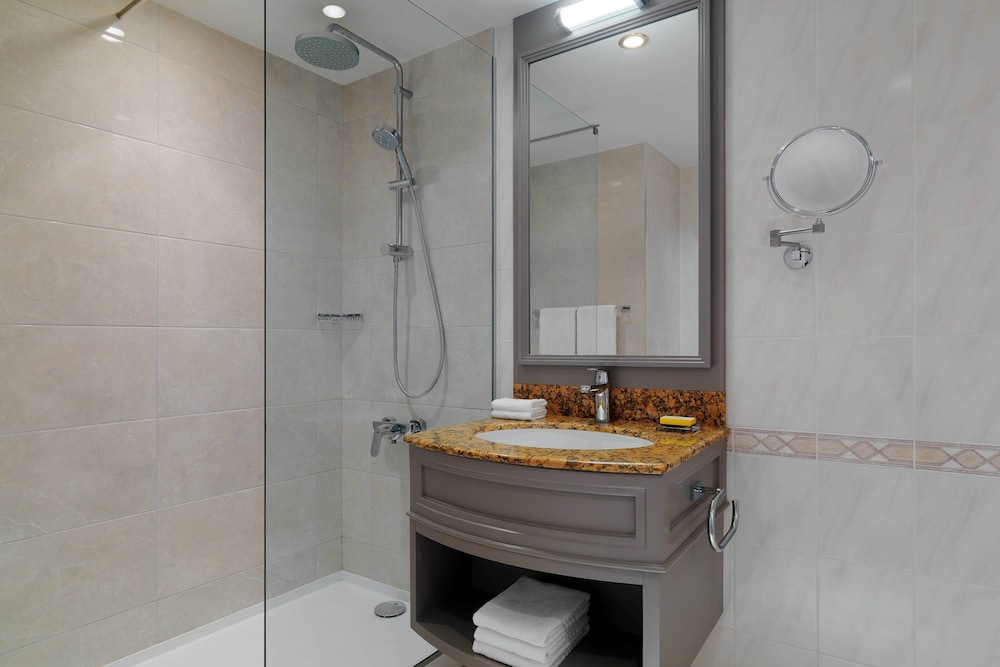 Bathroom, Armenia Marriott Hotel Yerevan