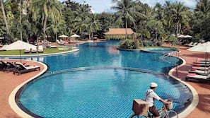 Outdoor pool, open 7:00 AM to 8:00 PM, free pool cabanas, pool umbrellas