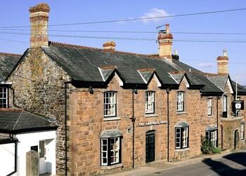 1 Fore St, Lifton PL16 0AA, Devon, England.