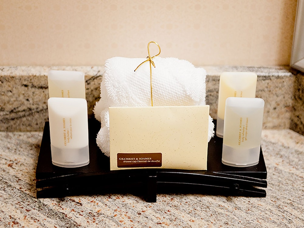Bathroom Amenities, Hotel Grand Pacific