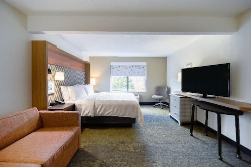 Room, Holiday Inn Allentown-bethlehem, an IHG Hotel