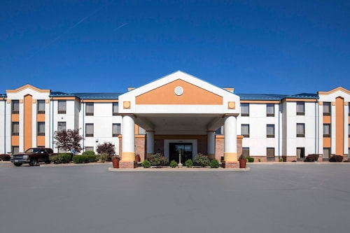 Quality Inn & Suites Arnold - St Louis