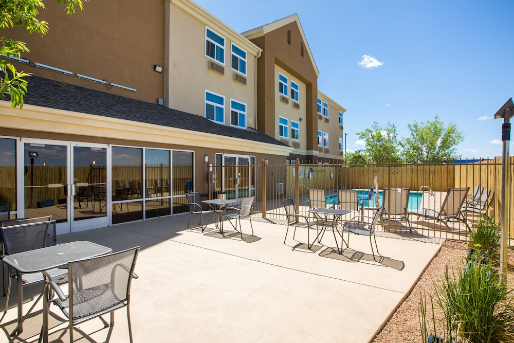 Terrace/Patio, Baymont by Wyndham Albuquerque Airport
