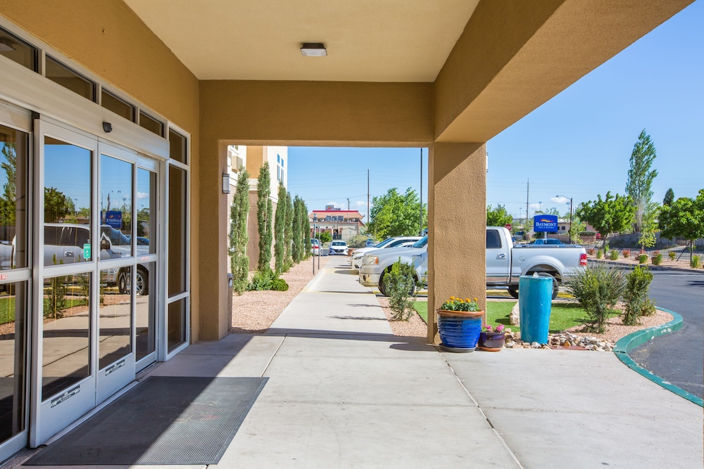 Property Entrance, Baymont by Wyndham Albuquerque Airport