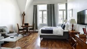 Sengetøy i egyptisk bomull, allergitestet sengetøy og safe på rommet