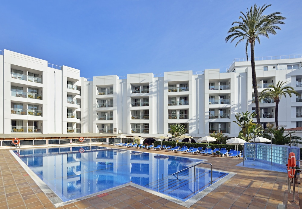 Book sol don pedro torremolinos hotel deals for Hotels malaga