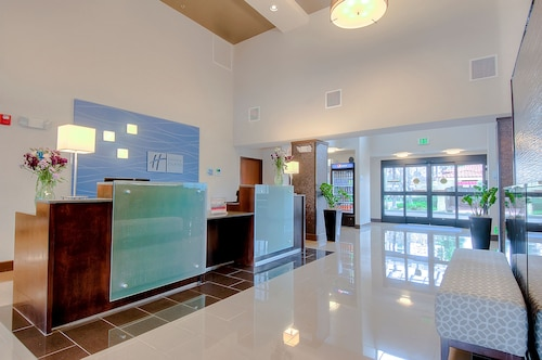 Great Place to stay Holiday Inn Express Hotel & Suites Carlsbad Beach near Carlsbad