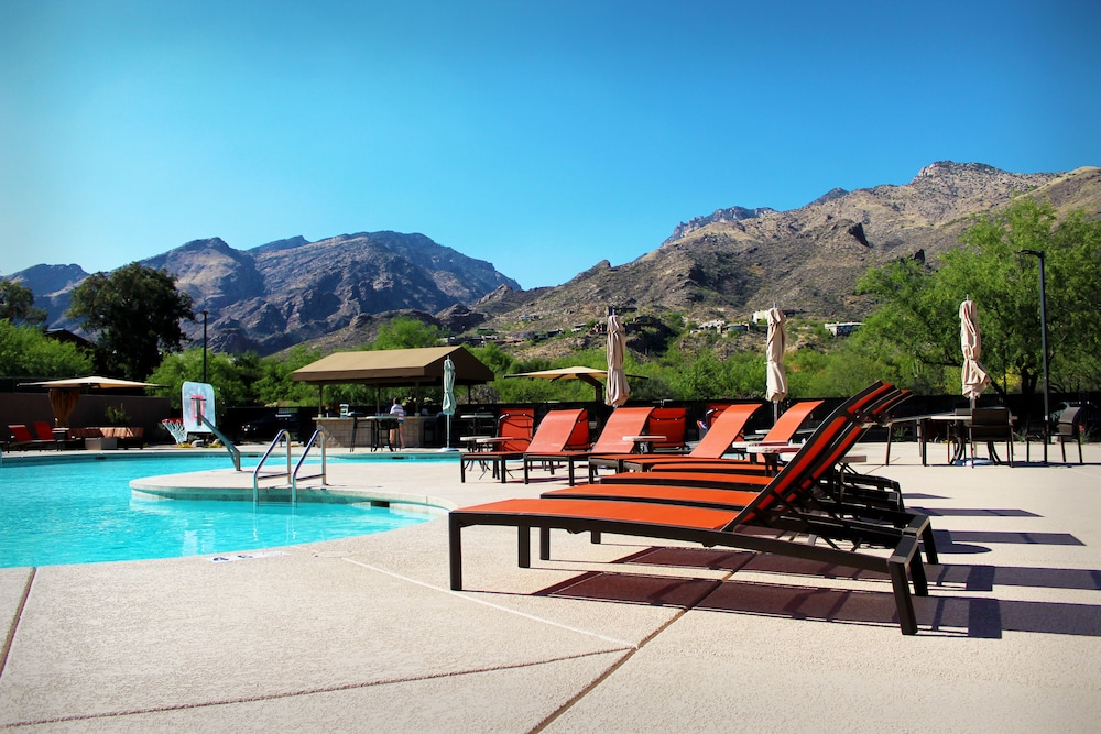 Outdoor Pool, The Lodge at Ventana Canyon