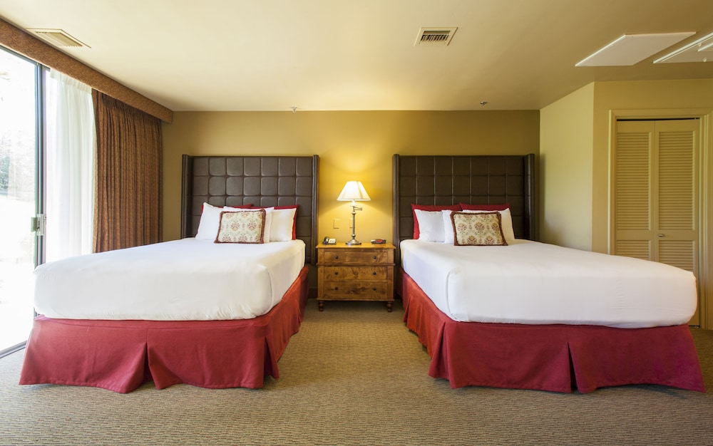 Room, The Lodge at Ventana Canyon
