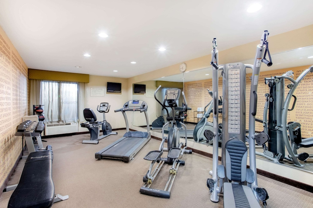 Fitness Facility, La Quinta Inn & Suites by Wyndham Indianapolis Greenwood