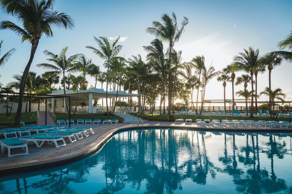 RIU Plaza Miami Beach in Miami | Hotel Rates & Reviews on Orbitz
