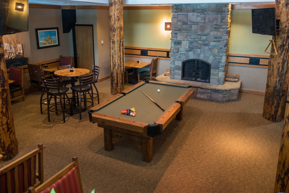 Billiards, Grand Lodge Crested Butte