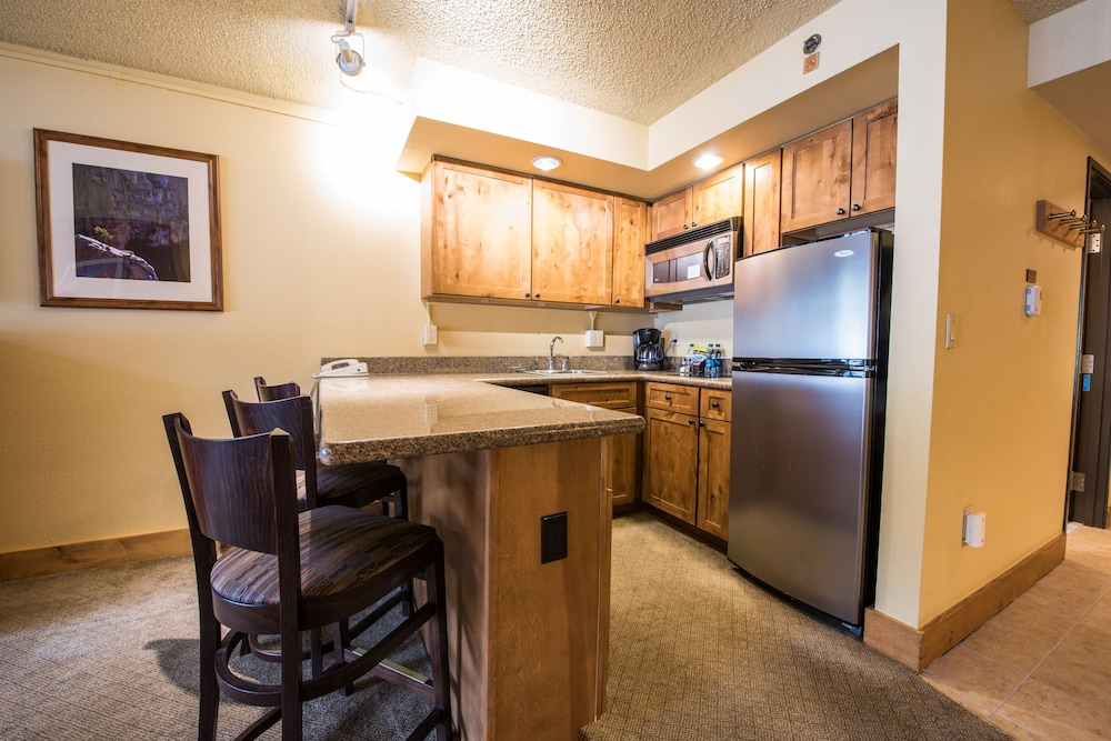 Private Kitchen, Grand Lodge Crested Butte